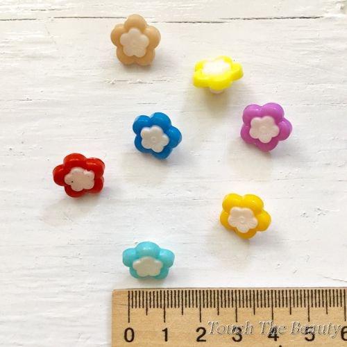 Пластиковые пуговицы. Цветочек. 14мм (5шт)