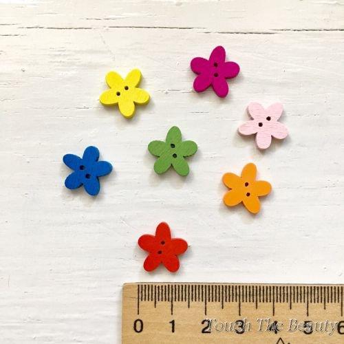 Деревянные пуговицы Цветочек. 15мм (10шт)