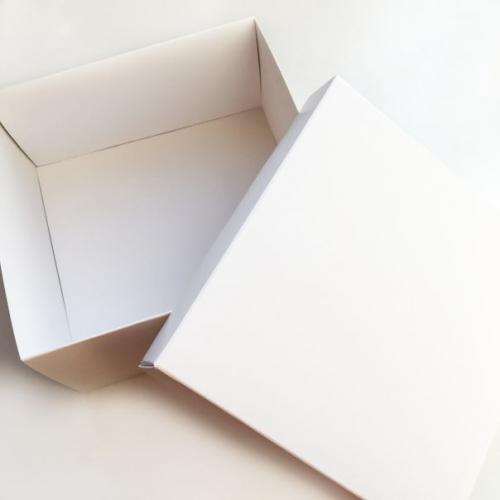 """Коробка """"Премиум""""  14*14*7 см, белая"""