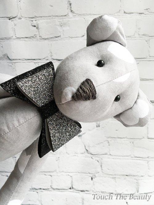"""Медвежонок """"Левис"""" (серый в белое сердце)"""