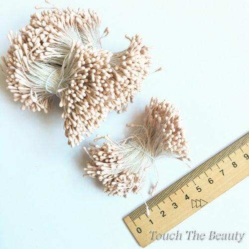 Тычинки на нитке пудровые 2мм (25шт)